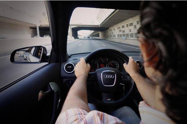 Empatía al volante   Arrojo Audi